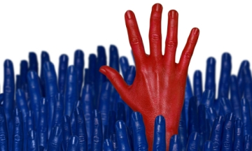 Red_Hand_Among_Blue_Leadership_500x300