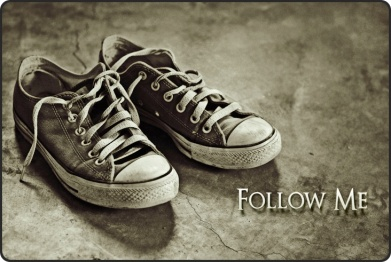 Follow-Me-Shoes-Curved